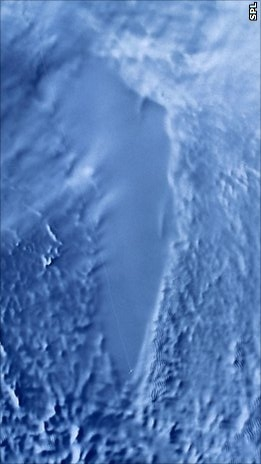 Lake_Vostok_Sat_Photo_color