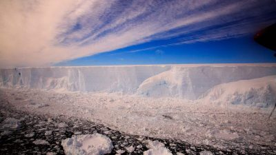 01_csm_Larsen_C_iceberg2_A68_Ali_Rose@BAS_abd3ddc02b_klein