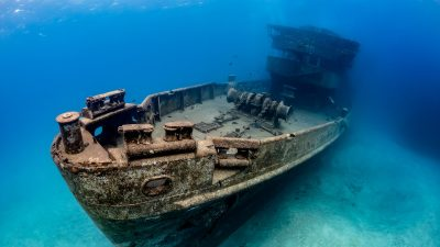 Dive Destination Underwater Wreck of the USS Kittiwake