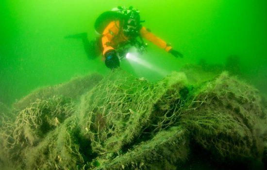 Geisternetzbergung-vor-Ruegen-02-Foto-Cor-Kuyvenhoven-Ghostfishing