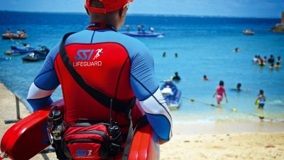 Become a SSI lifeguard on a beach