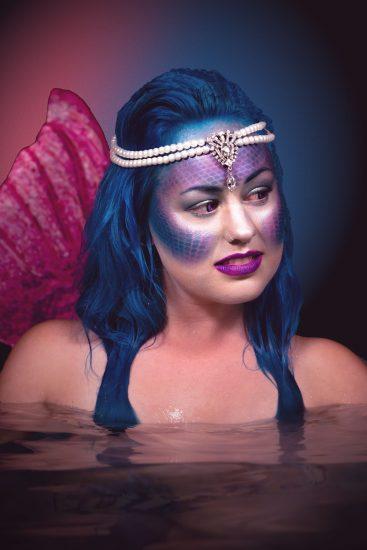 How do you do a mermaid makeup?